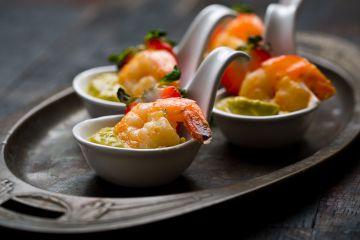 Bouchées de crevettes au guacamole