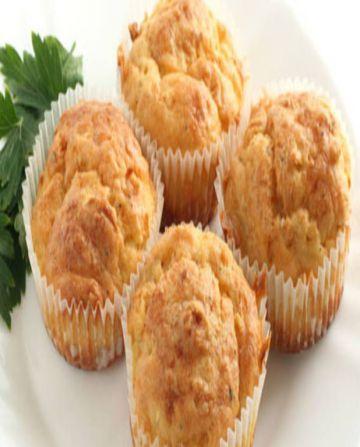 Muffins à la courgette, au poulet et à la feta