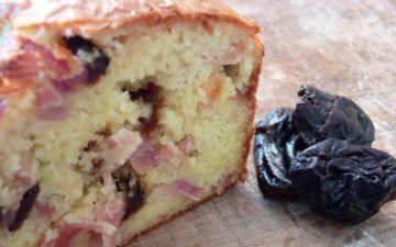 Cake aux pruneaux et jambon