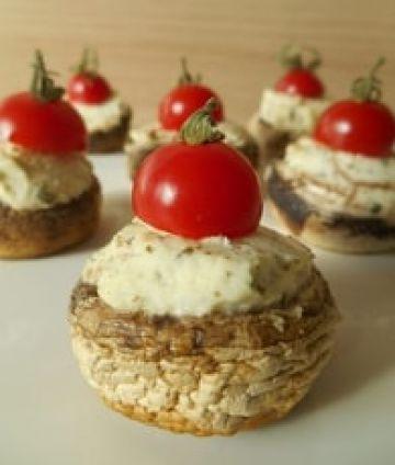 Champignons farcis au fromage ail et fines herbes