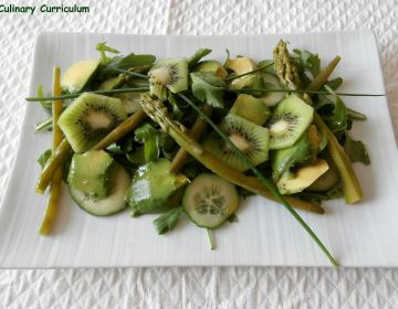 Green salad - Salade verte avocat, asperges haricots verts, kiwis, concombre                        , roquette, facile