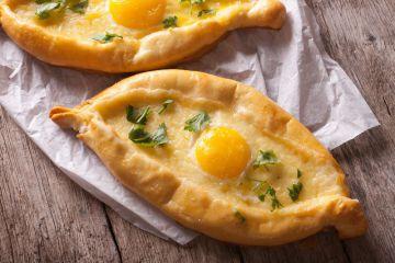 Egg boat au parmesan
