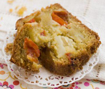 Cake pistou, mozzarella et tomates cerises