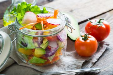 Mini salad jars aux crudités